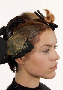 Ausbildung Friseur Berlin icono Haarfarbe Step4