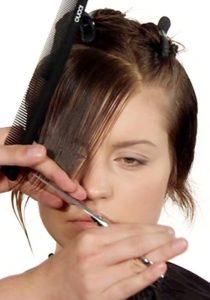 Ausbildung Friseur Berlin icono Haarschnitt Step5