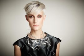 Silver Hair Root Shading icono Hair Fashion Short Hair